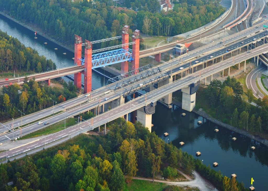 Kanalen i Södertälje där man också kan köpa matkassar.
