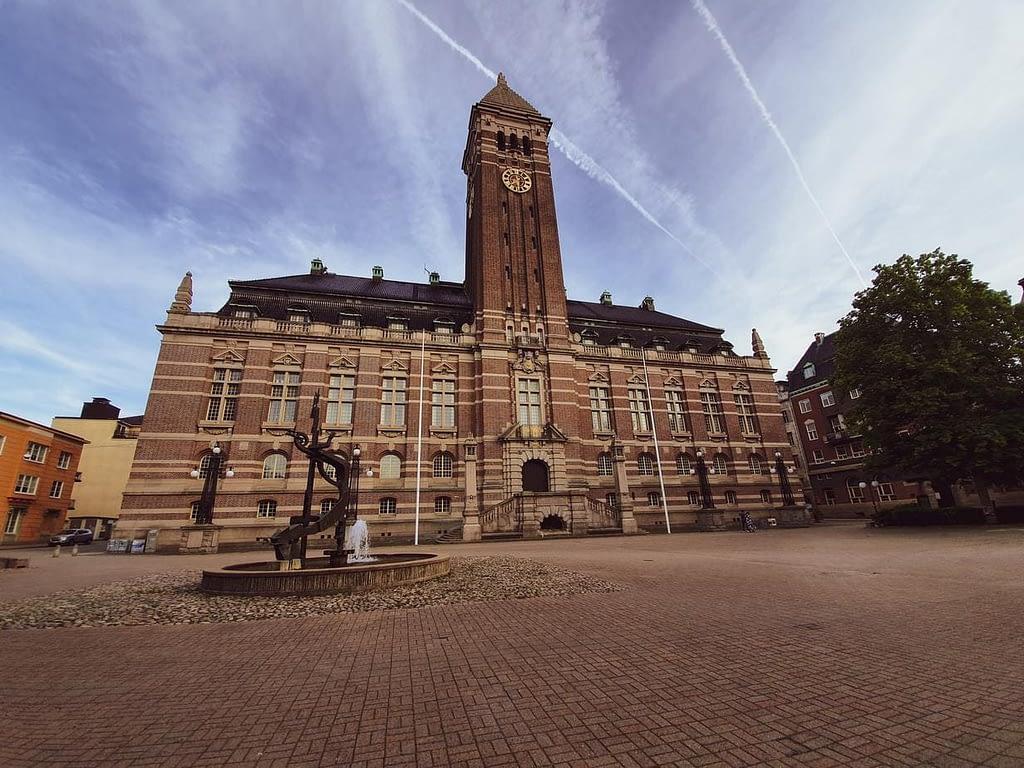 Rådhuset i Norrköping där det också finns matkassar.