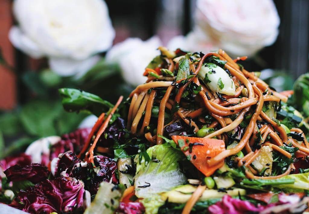 Vegansk och vegetarisk mat i matkasse