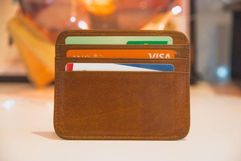 Betala för matkasse med kort eller mot faktura.